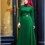 zümrüt yeşili pileli tesettür elbise