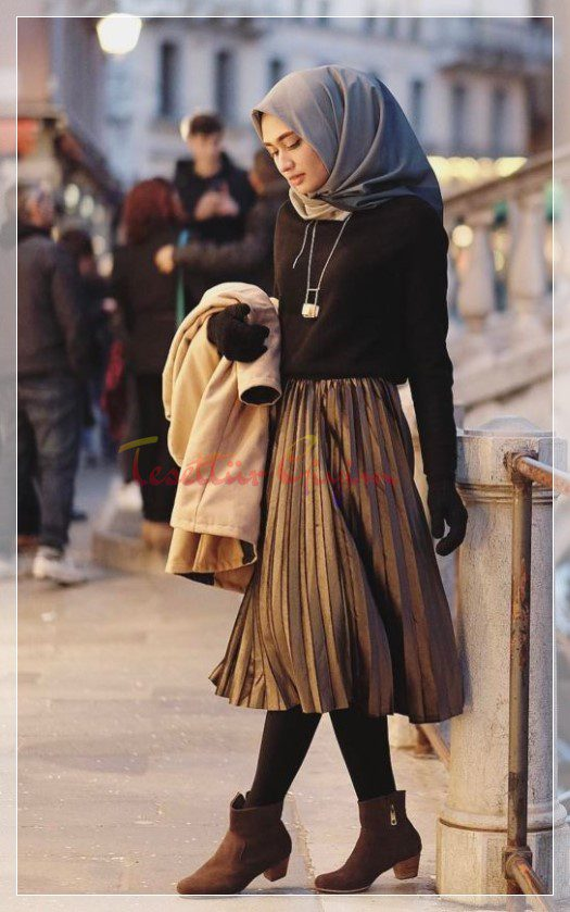 Young Hijab Skirt and Pullover Fashion