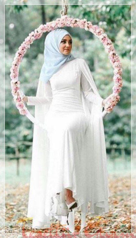 Beyaz sade tesettür nikah elbisesi