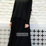 Siyah elbise açık bordo şal
