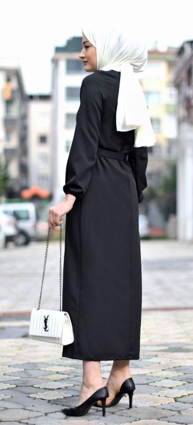 Siyah elbise beyaz şal