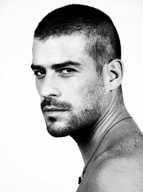 Erkek Kısa –Düz Saç Modeli