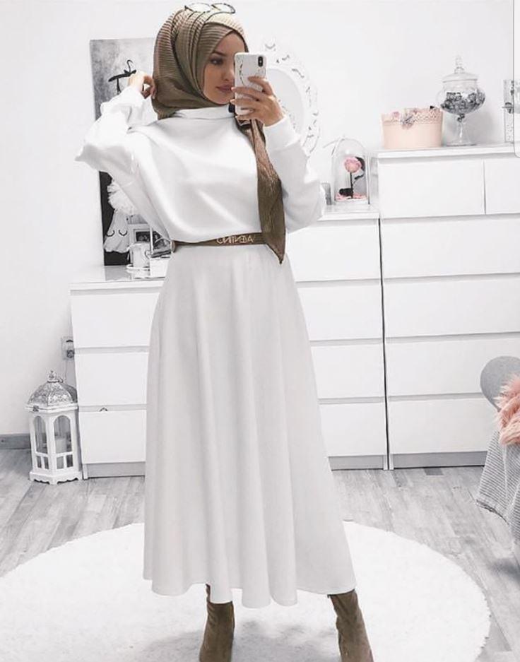 Haki Yeşil Şal Beyaz Elbise