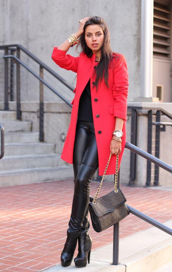 kırmızı ceket siyah esmer kombin