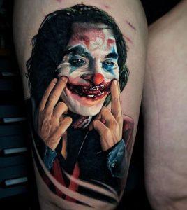 Çok Gerçekçi Joker Bacak Dövmesi