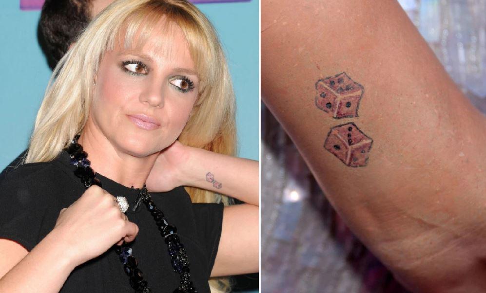 Britney Spears'in Pembe Zar Dövmesi