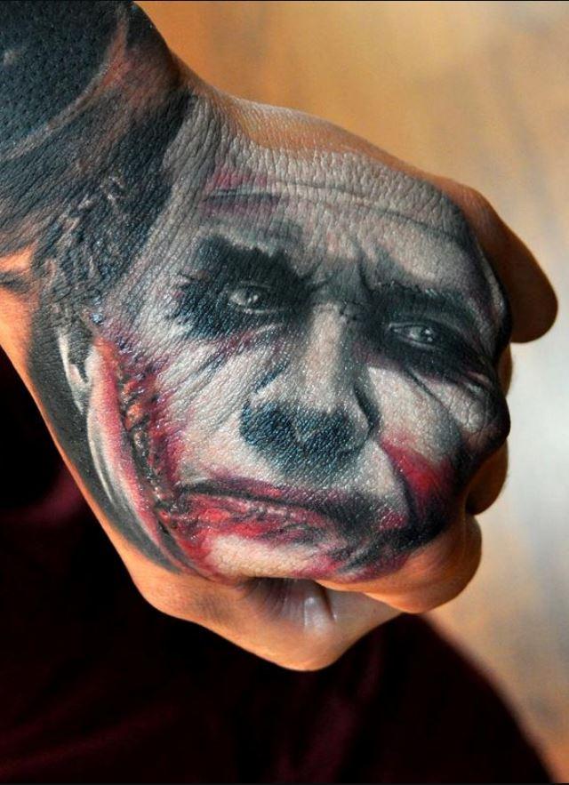 El Üstü Joker Dövme