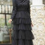 Fırfırlı Tesettür Mezuniyet Elbisesi Modeli