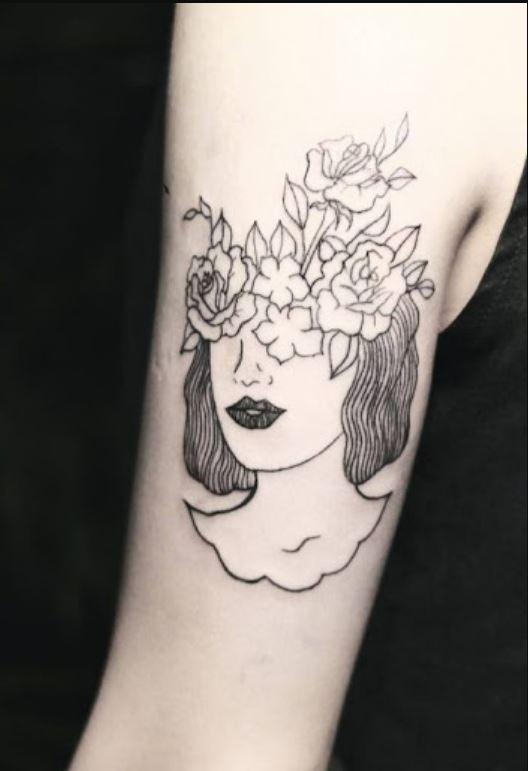 Kadın Temalı Minimal Dövme