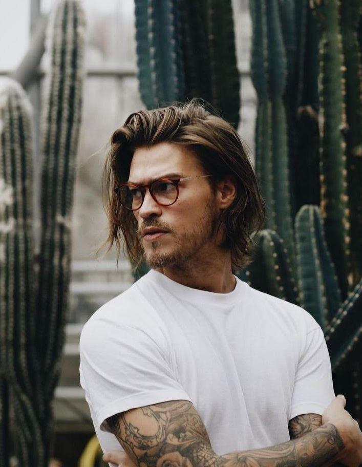Uzun saçlı erkek tarz saç modeli