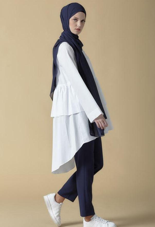 Beyaz Spor Bluz Modeli