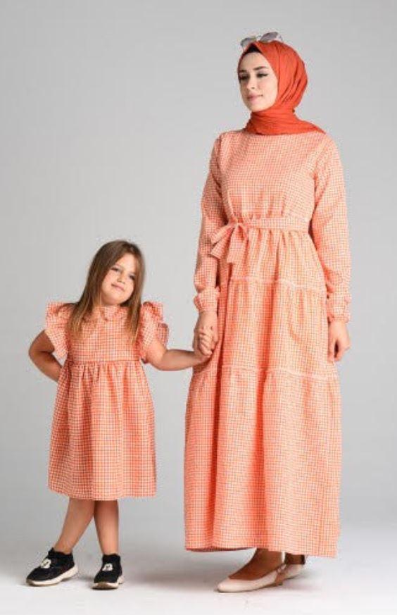 Kare Desenli Anne Kız Kombin Elbiseler