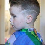 Dalgalı Çizgili Erkek Çocuk Saç Kesimi
