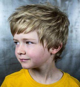 Erkek Çocuk Dalgalı Saç Modeli