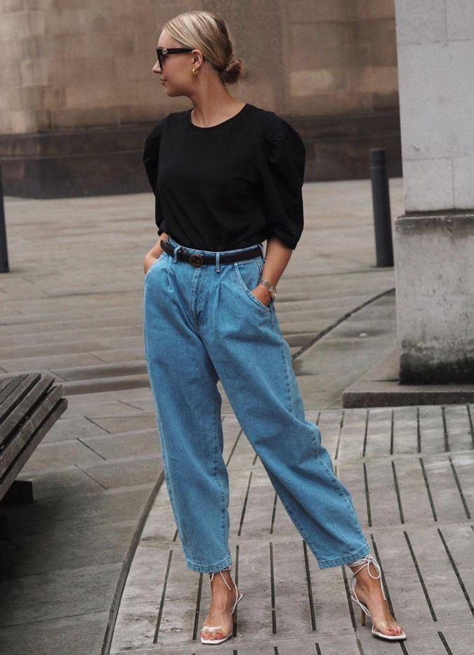 Kemerli Mom Jean Pantolon Modeli
