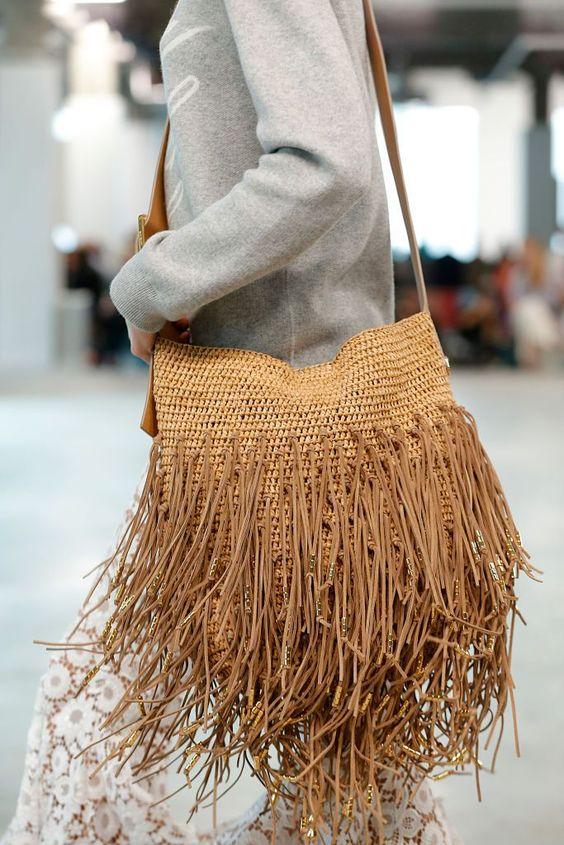 püsküllü bayan çanta modeli 2019