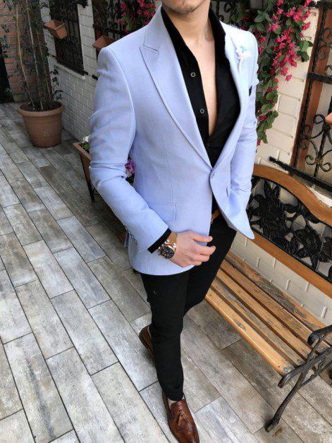 Beyaz Pantolonlu Açık Mavi Blazer