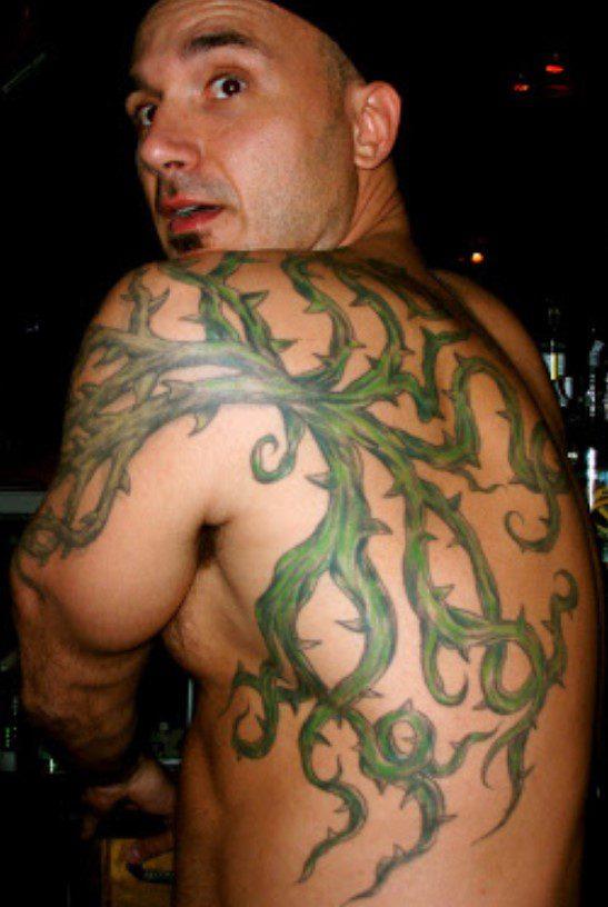 Erkek Sırt Sarmaşık Dövme