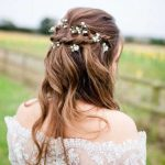 Kır Düğünü Sade Saç Modelleri
