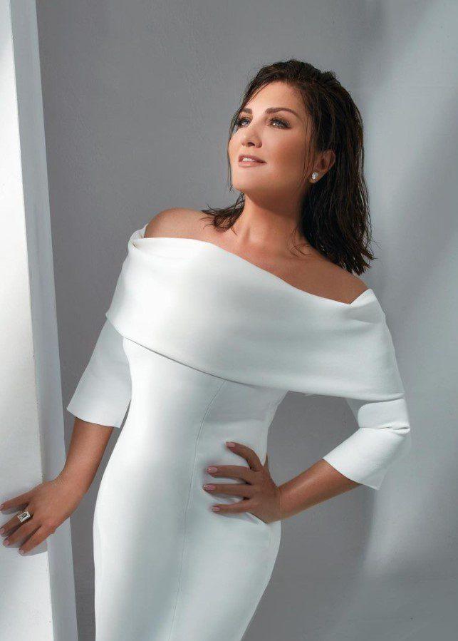 Sibel Can Beyaz Elbise