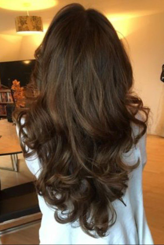 Uzun Dalgalı Çikolata Kahve Saç
