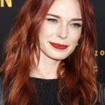 Uzun Dalgalı Kırmızı Saç Rengi