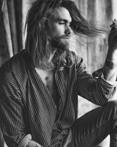 Uzun Saç ve Kirli Sakal Modeli