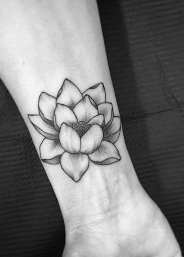 Bİlek Altı Lotus Çiçeği