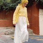 Beyaz Etek Sarı Şal Kombini