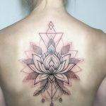 Komple Sırt Lotus Çiçek Dövmesi