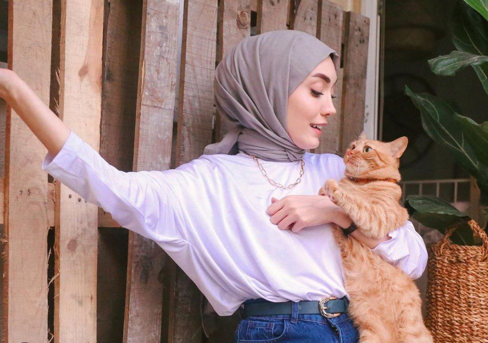 Rimel Aşkına Hilal Kot Lila Tişört Kombin