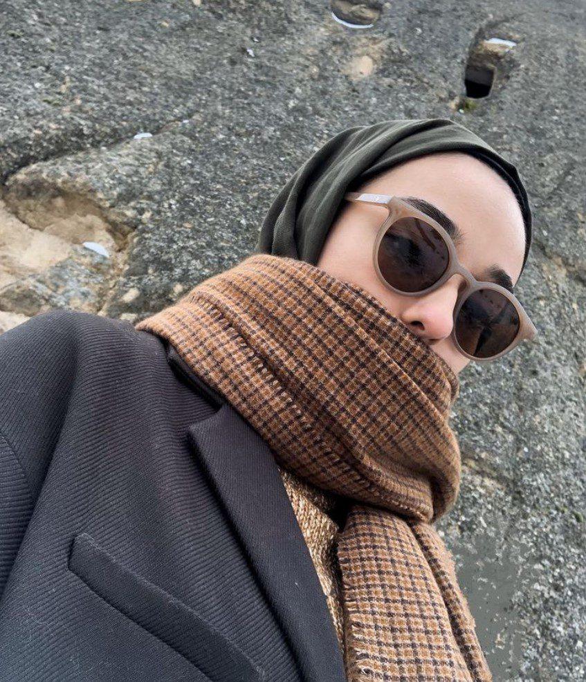 Ceyda Öztürk Pardesü Ceket Atkı Kombini