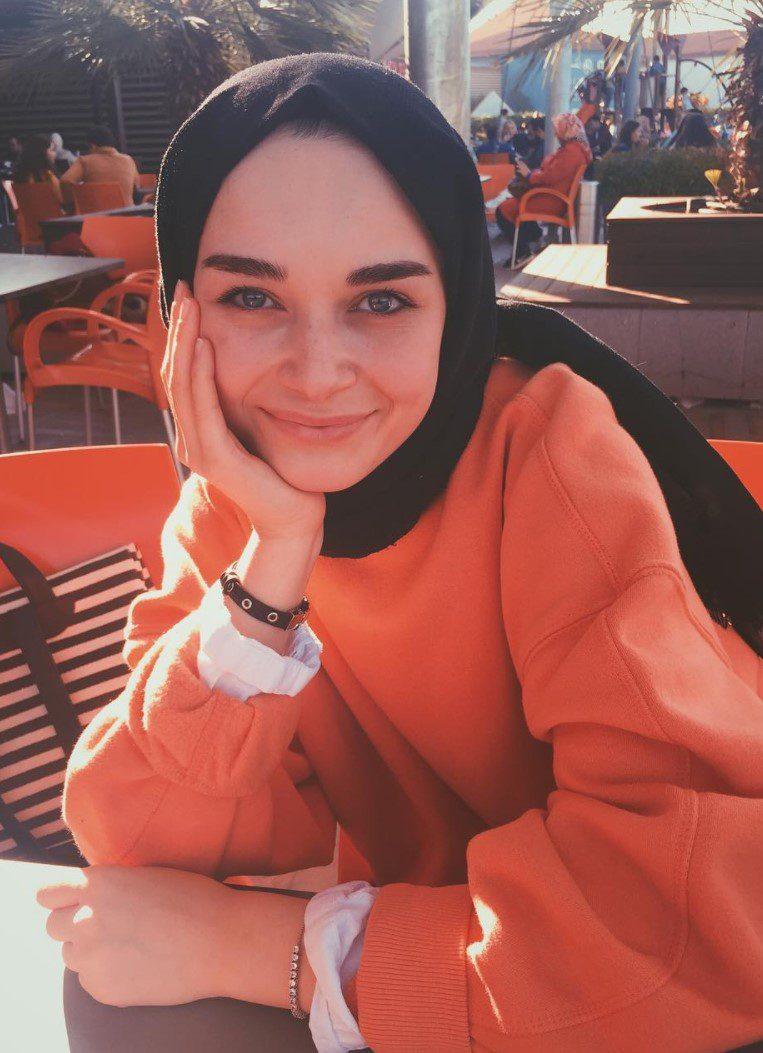 Elif Sezer Sweatshirt Kombini