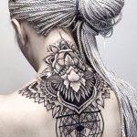 Boyun altı sırt mandala dövme