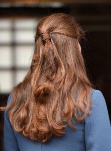 Çok Açık Renk Fındık Kabuğu Renk Saç Açık Renk