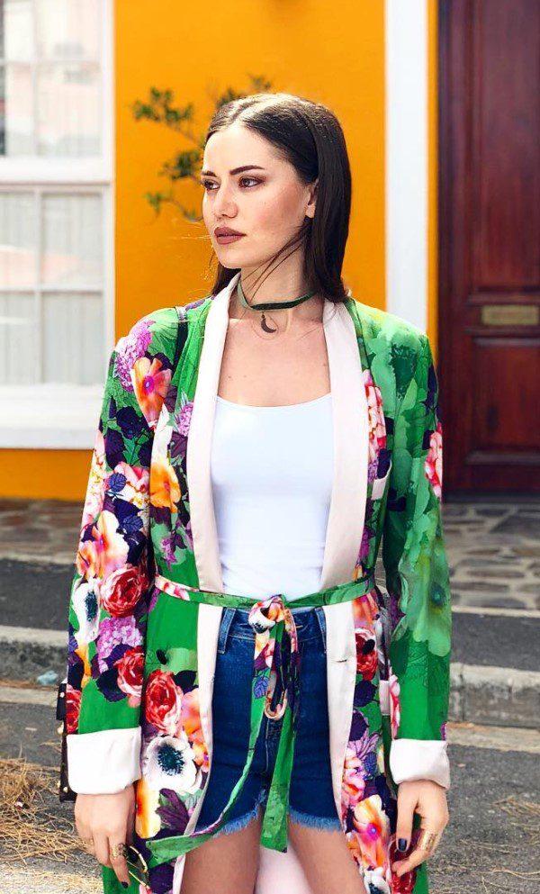 Fahriye Evcen Kimono Kombin