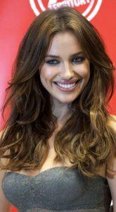 Irina Shayk Fındık Kabuğu Saç Rengi