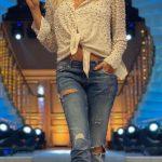 Ivana Sert Dalgalı Saç Modeli
