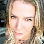 Ivana Sert Göz Rengi Nedir