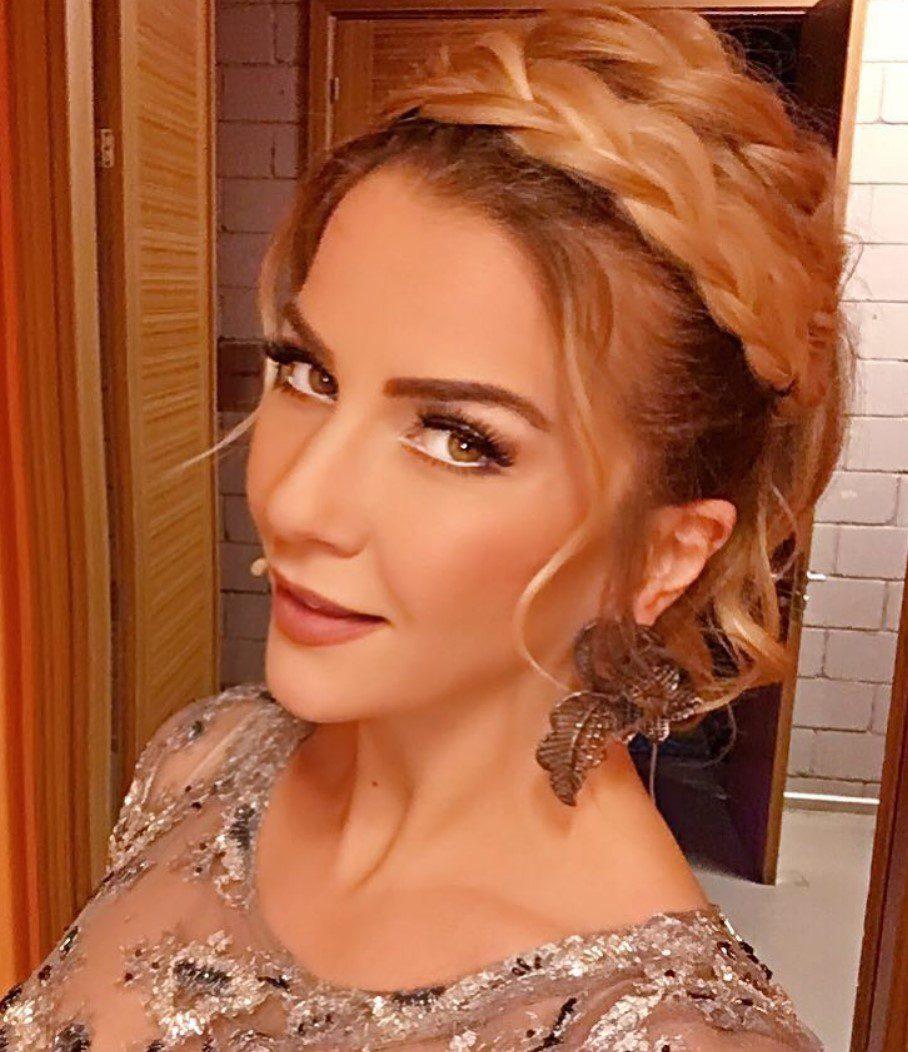 Ivana Sert Örgü Saç