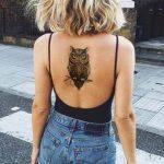 Kadın Sırt Baykuş Dövme Modeli