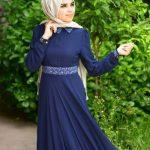 lacivert yazlık elbise ve krem şal