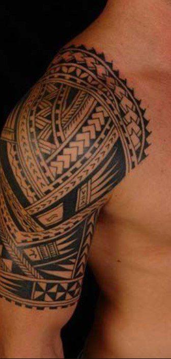 Tribal Komple Omuz Dövmesi