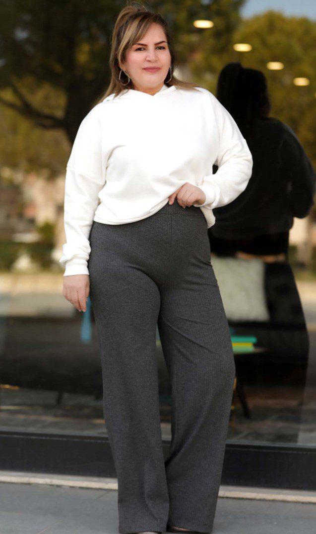 Bacak Kısmı Geniş Pantolonlar