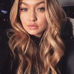 Gigi Hadid Dalgalı Boyalı Saç Rengi