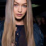 Gigi Hadid Düz Uzun Karamel Renk Saç
