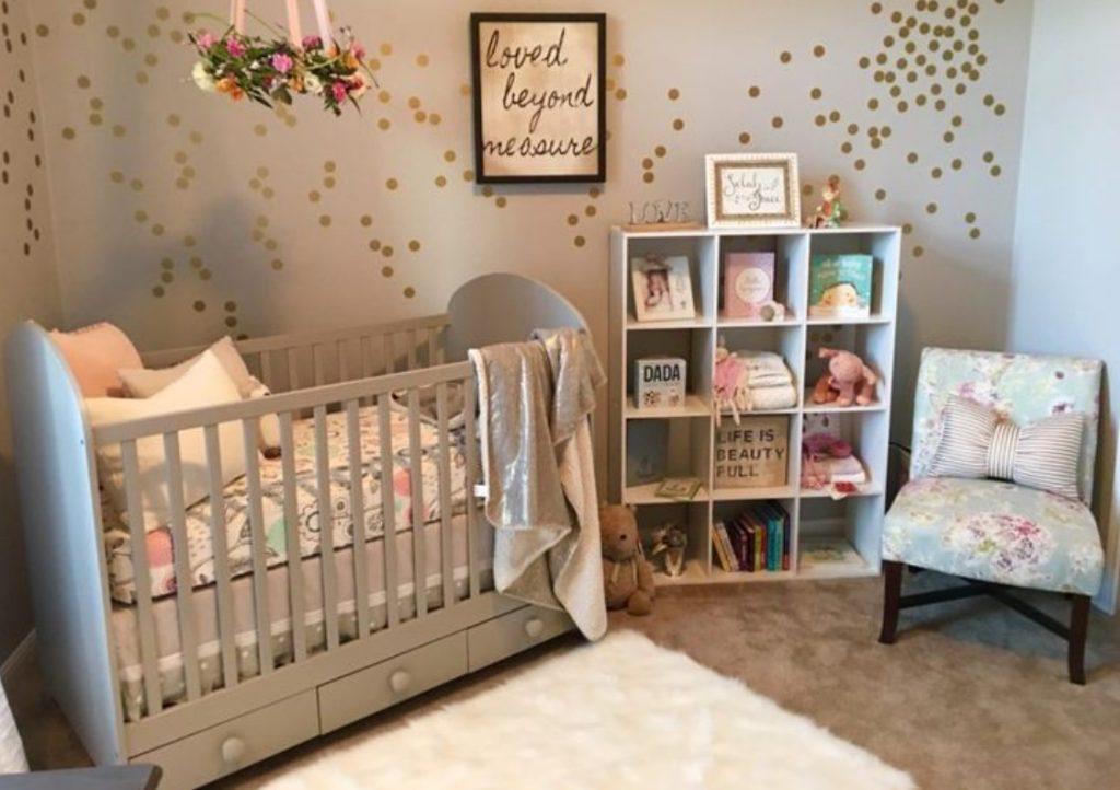 Gri Bebek Odası Tasarımı