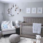 Kahverengi Beyaz Bebek Odası Tasarımı