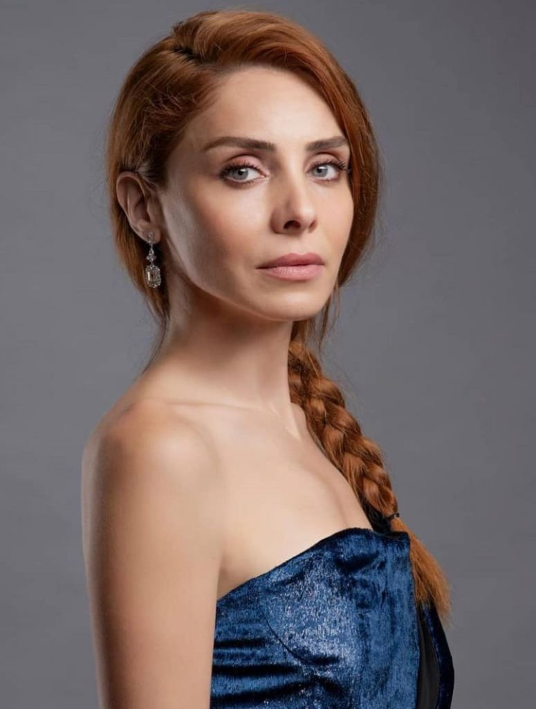 Nur Fettahoğlu Örgü Saç Modeli