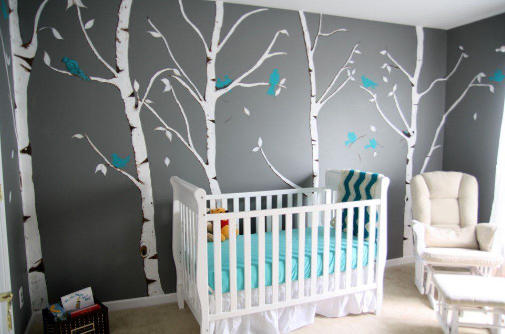 Orman desenli duvar bebek odası
